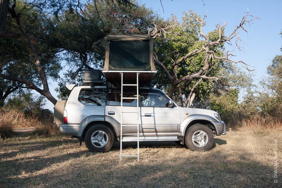 Rent a budget 4x4 in Botswana: Land Cruiser Prado