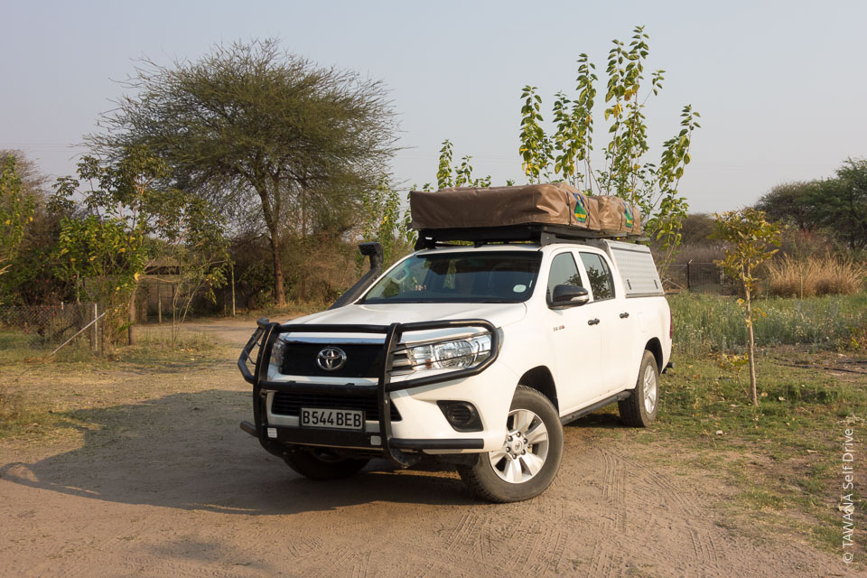 Hire a fully equipped 4x4 in Botswana: Toyota Hilux